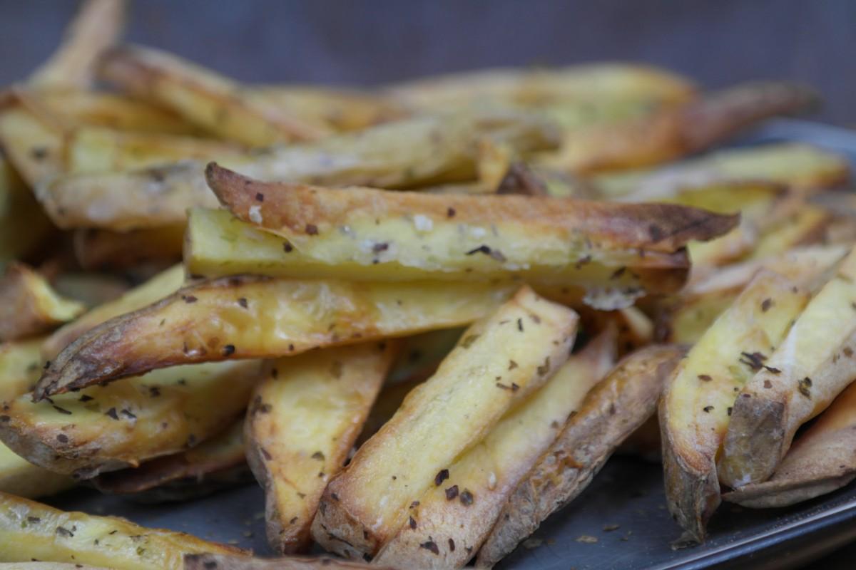 fryer-patat-met-zeezout-2-1200x800